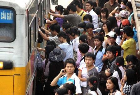 Giá vé xe buýt Hà Nội sẽ tăng gấp đôi? - 1