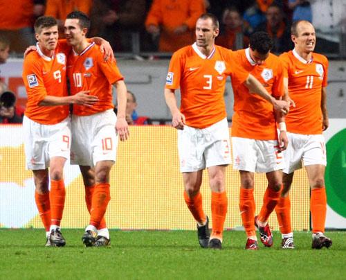 """Đường tới Euro 2012: """"Tốc hành"""" như Hà Lan - 1"""