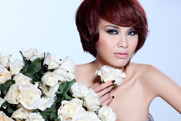 Người đẹp Việt kém duyên với tóc giả - 1