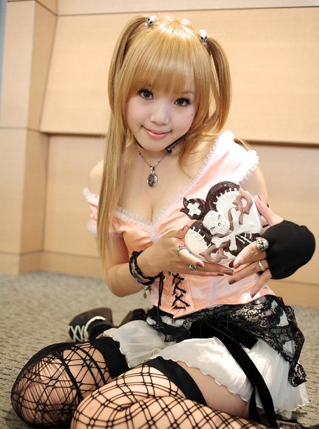 Không giống những bạn trẻ khác chỉ cosplay vì sở thích và tình yêu cho  một số nhân vật anime/game nào đó, Kipi là cosplayer chuyên nghiệp. Năm  2006, cô còn được trao giải Best Cosplayer tại Trung Quốc - vốn là quốc  gia sản sinh ra những cosplayer tài năng…