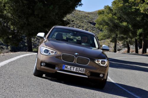 "BMW 1-Series sedan ""con bài chiến lược"" - 1"