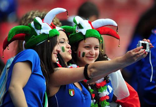 Chuyện CĐV & EURO 2012: Sex, thú cưng, nhà & xe - 1