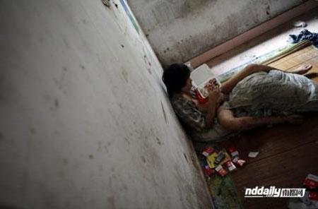 Hình ảnh ngày cuối đời của một con nghiện TQ - 1