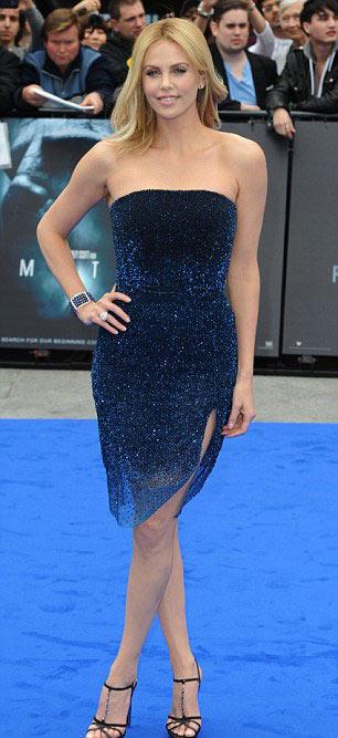Charlize Theron nuột nà ra mắt phim - 1
