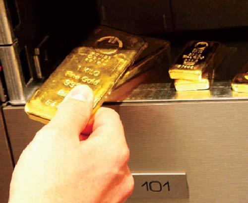 """Có USD chợ đen ắt có """"chợ"""" vàng - 1"""