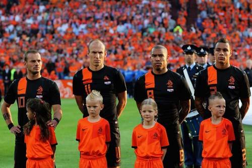 Hà Lan, BĐN sát hạch cuối trước Euro - 1