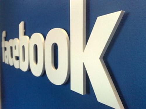 Mạng xã hội hàng đầu Facebook bất ngờ bị sập - 1