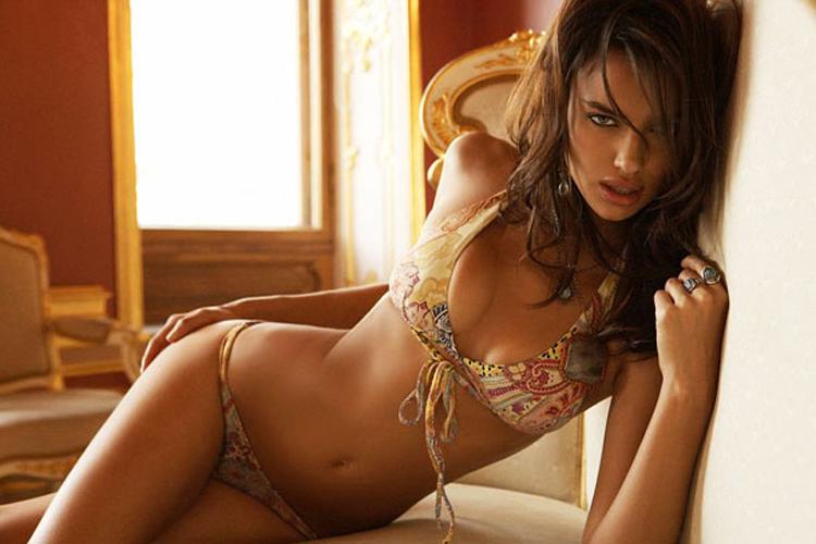 Siêu mẫu Irina Shayk, chân dài sắp lên xe hoa cùng ngôi sao Ronaldo của ĐT Bồ Đào Nha.