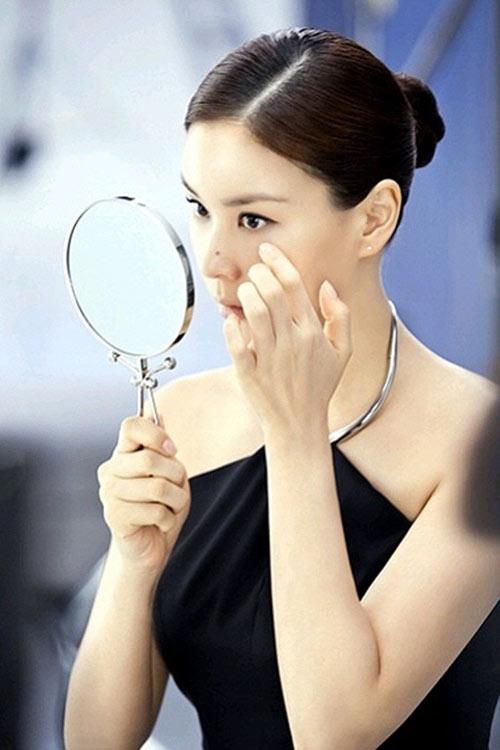 Bà xã Jang Dong Gun giữ vị trí số 1 - 1