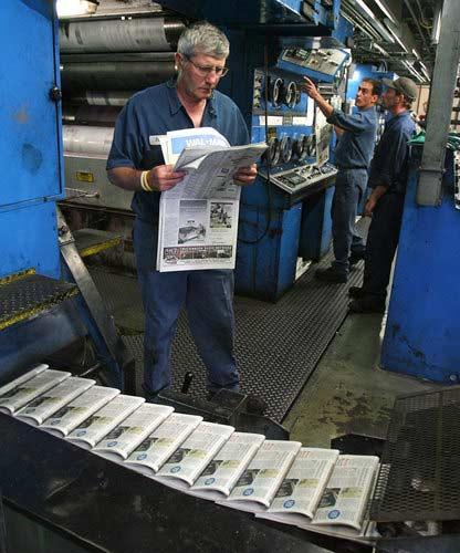 Nhật báo Âu-Mỹ cắt giảm kì xuất bản - 1