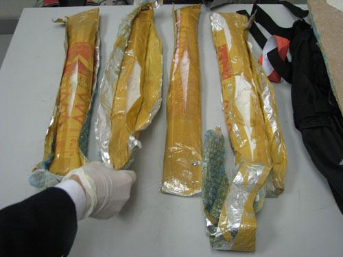 Phát hiện 1,6 kg ma túy tổng hợp tại sân bay - 1