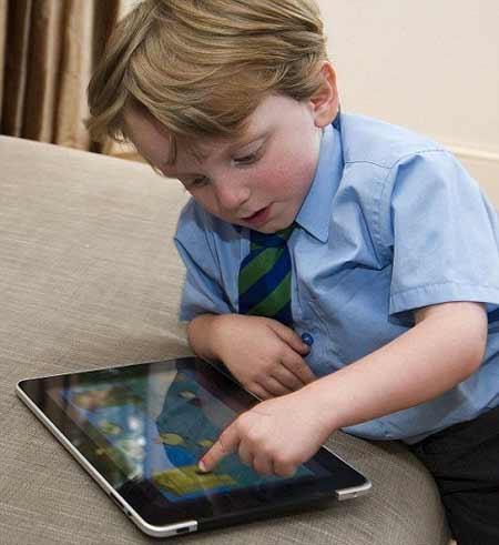 Bi kịch những đứa trẻ nghiện đồ công nghệ - 1