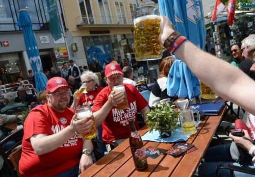 EURO 2012: Bàn thắng, bia và pub - 1