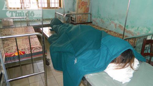 Mẹ con sản phụ tử vong: Tạm đình chỉ hộ sinh - 1