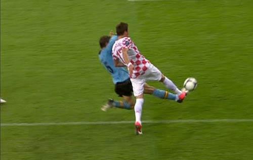 Croatia mất oan 2 quả phạt 11m - 1