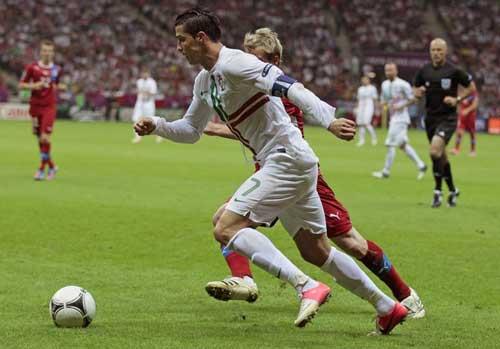 CH Séc - Bồ Đào Nha: Người hùng Ronaldo - 1