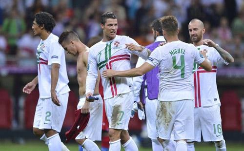 Tiếp tục tỏa sáng, Ronaldo mơ vô địch - 1