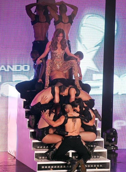 Jennifer Lopez hoang dại và sexy - 1