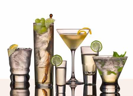 5 loại không nên uống nhiều mùa hè - 1