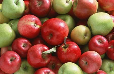 Táo là loại quả chứa nhiều thuốc trừ sâu nhất - 1
