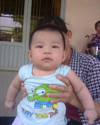 Bé trai 5 tháng tuổi bị bắt cóc táo tợn - 1