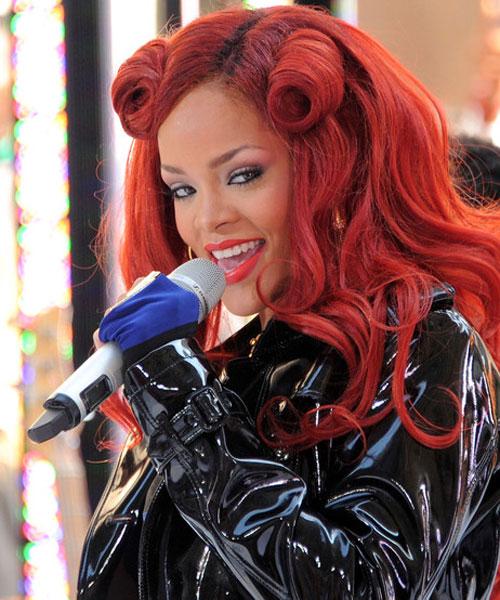 Người đẹp khoe nét sexy cùng tóc đỏ - 1