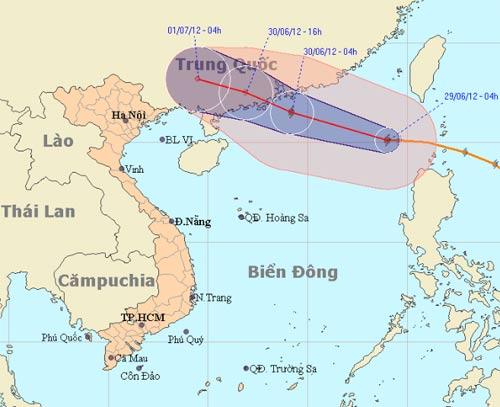 Bão Doksuri vào biển Đông gây mưa ở Nam Bộ - 1