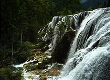 Những ngọn thác hùng vĩ ở Đắk Nông - 1