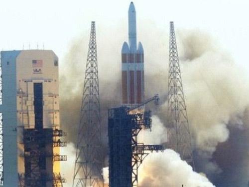 Mỹ phóng vệ tinh bí mật lên vũ trụ - 1