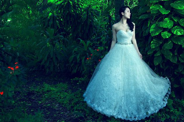 Thái Hà chọn váy cưới cho mùa mới - 1