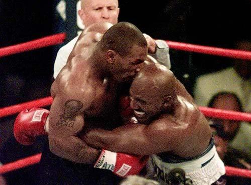 Mike Tyson & cú cắn tai lịch sử - 1