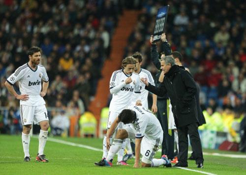Thắng đậm, Mourinho vẫn chê hàng công - 1