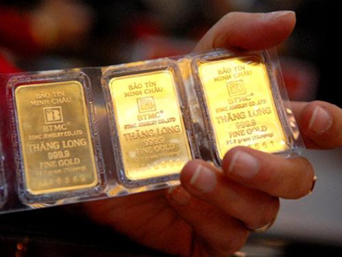 Giá rẻ, NHNN bán hết vàng - 1