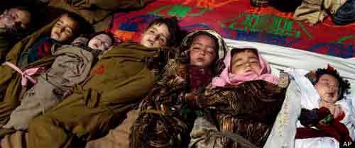 Afghanistan: NATO không kích, 11 trẻ tử vong - 1