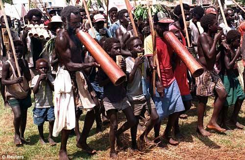 Papua New Guinea: Đám đông chặt đầu 2 phụ nữ - 1