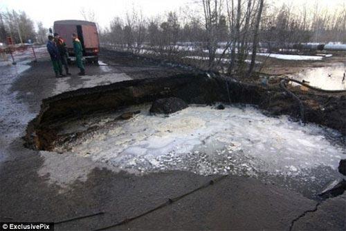 """Nga: Một thành phố đang bị """"nuốt sống"""" - 1"""