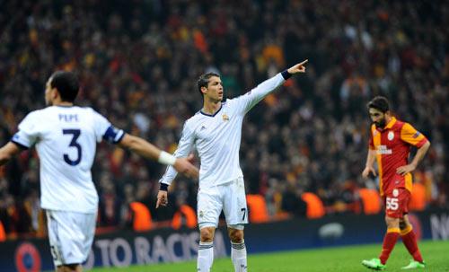 """Ronaldo: """"Real đã tự bắn vào chân"""" - 1"""