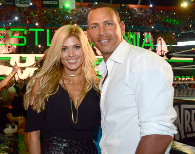 VĐV bóng chày Alex Rodriguez và cựu nữ đô vật Torrie Wilson.