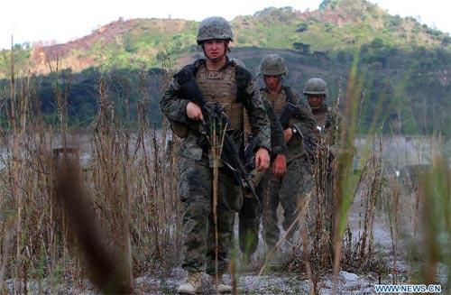 Bộ ảnh Mỹ, Philippines tập trận bắn đạn thật - 1