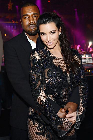 Đỏm dáng như bà bầu Kim Kardashian - 1