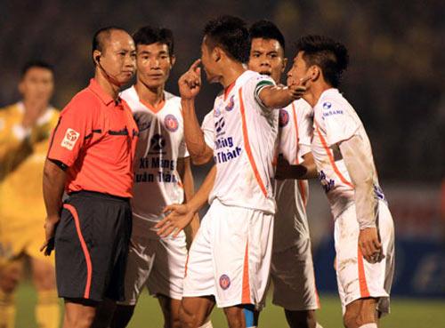 """Sau V5 V-League 2013: """"Vua"""" ơi là """"vua"""" - 1"""