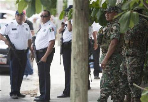 7 người bị siết cổ, chặt đầu ở Mexico - 1