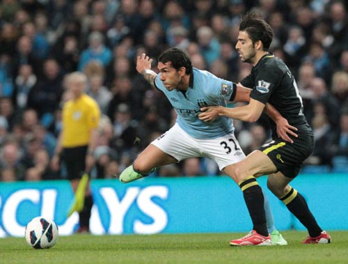Man City - Wigan: Người hùng Tevez - 1