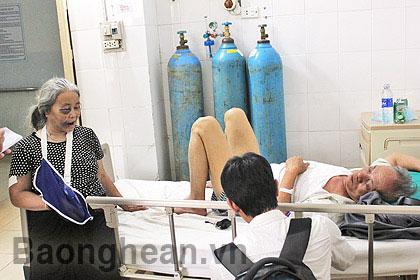 Vụ lật xe ở Lào: Lời kể của nạn nhân - 1