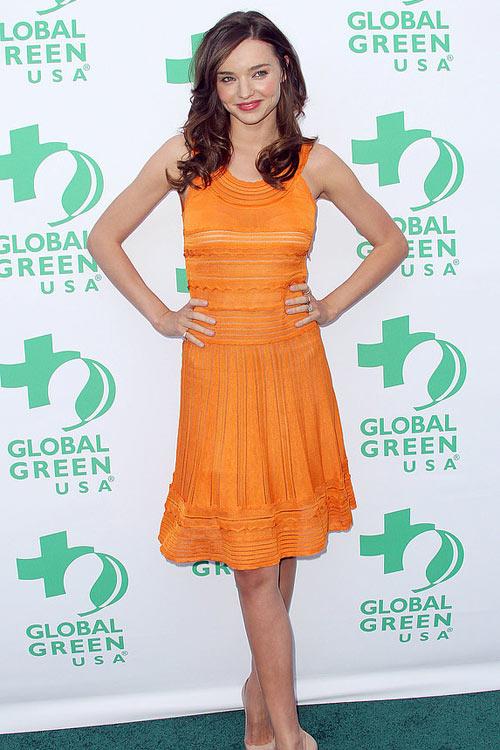 Say lòng ngắm váy tiệc của Miranda Kerr - 1