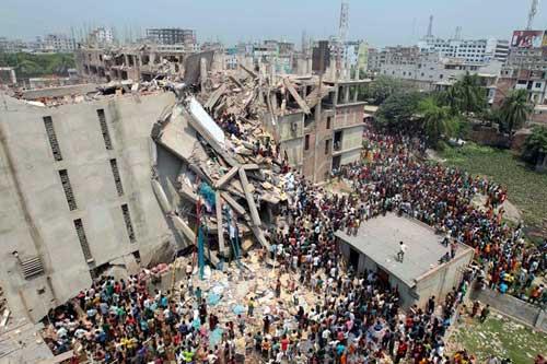 Bangladesh: Sập nhà 8 tầng, 70 người chết - 1
