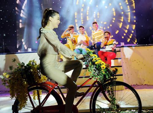Vợ chồng Hà Hồ nhiệt tình ủng hộ V.Music - 1