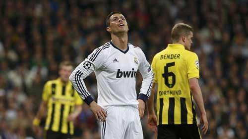 """Real: Mourinho đã hết """"phép"""" - 1"""