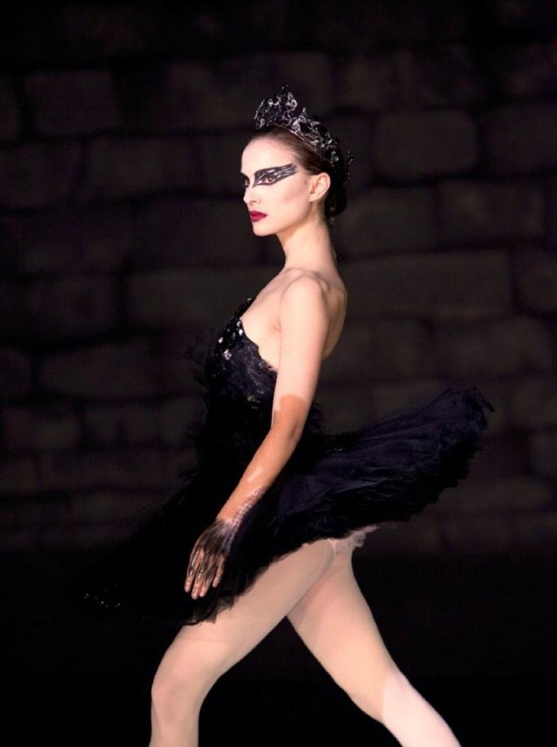 Tóc búi cao sang như vũ công ballet - 1