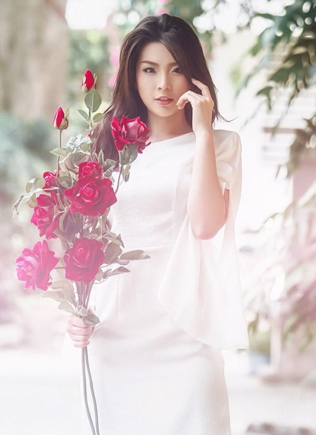 Ngắm nữ hoàng cà phê ma mị quyến rũ giữa chiều năng tắt Sài Gòn
